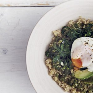 Quinoa, spinach and egg breakfast bowl