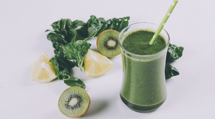 Green probiotic smoothie to fight a spring cold