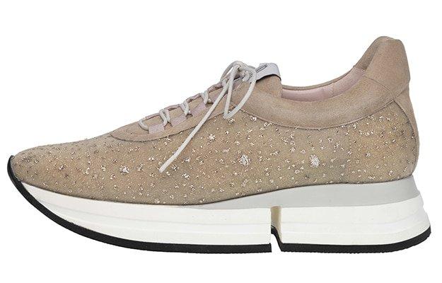 R3850, Pretty Ballerinas
