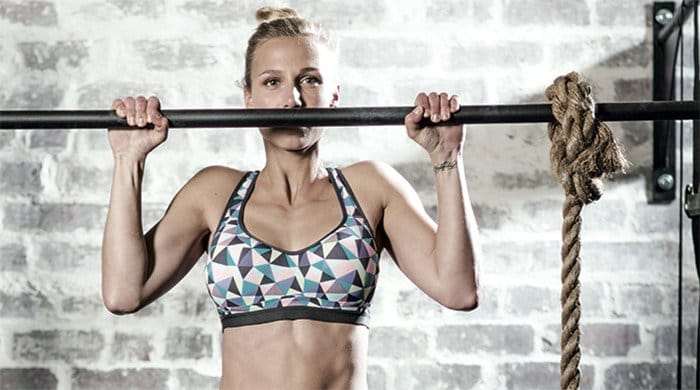 Woman doing a pull-up