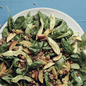 Baby spinach salad with nectarines
