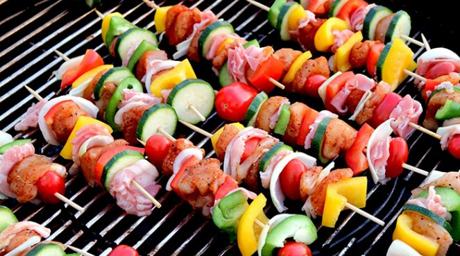 these kebabs are easy to make, healthy snacks