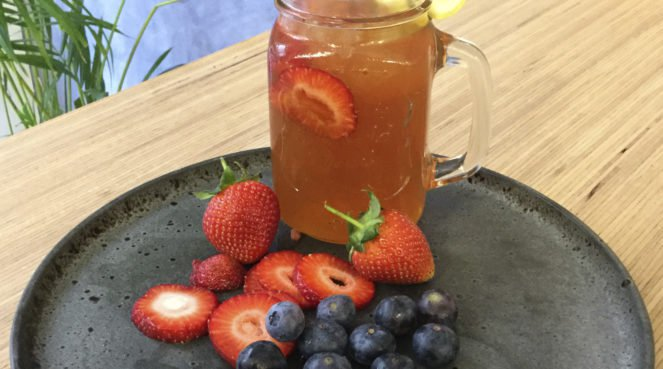 Iced tea with strawberries
