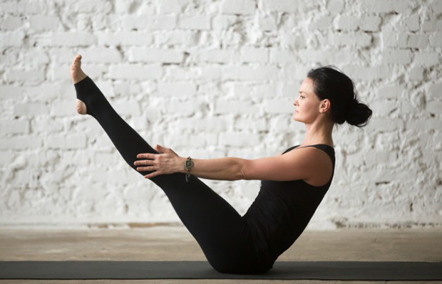 """""""This 5-Move Pilates Leg Series Set My Inner Thighs On Fire"""""""